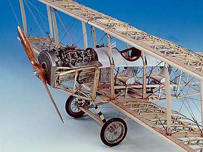 Биплан Curtiss JN-4D Jenny масштаб 1:16
