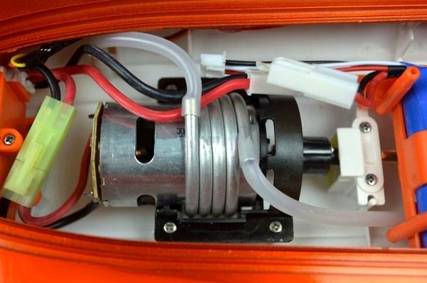 Радиоуправляемый катер FT009