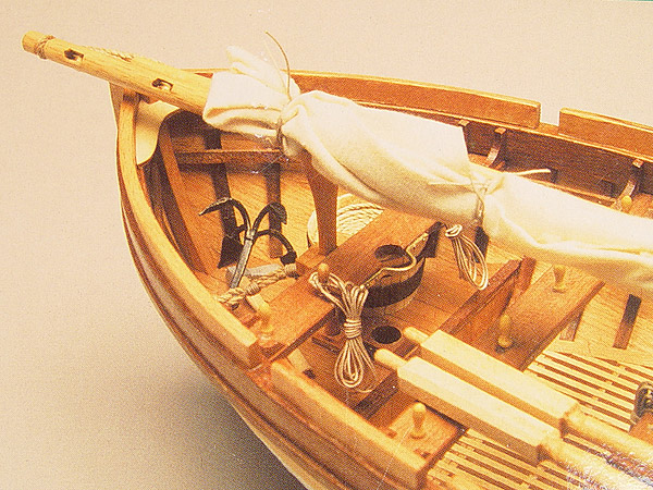 HMS Victory шлюпка масштаб 1:16