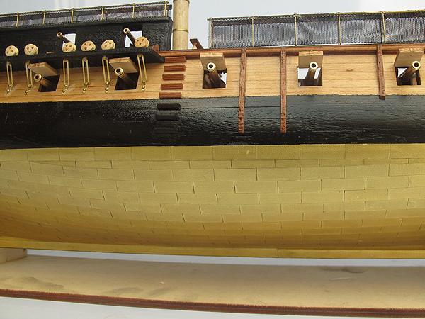 HMS Surprise масштаб 1:75