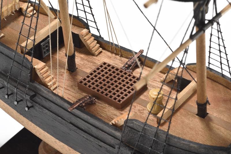 СБОРНАЯ МОДЕЛЬ КОРАБЛЯ PIRATE SHIP (ПИРАТСКИЙ КОРАБЛЬ) МАСШТАБ 1:135